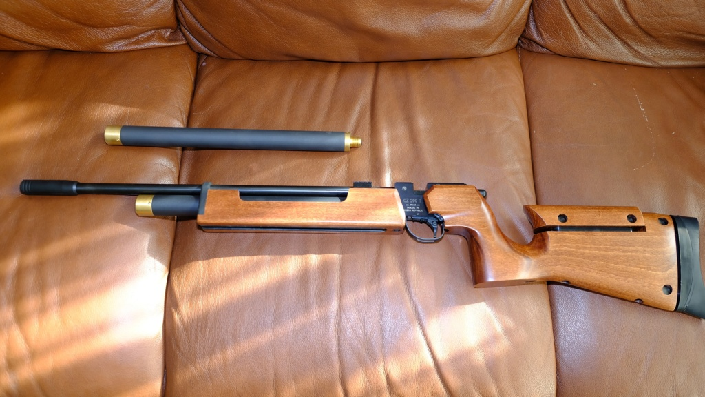 WTS Brand New Air Arms T 200 Sporter Air Rifle With Target Sights Dscf5911