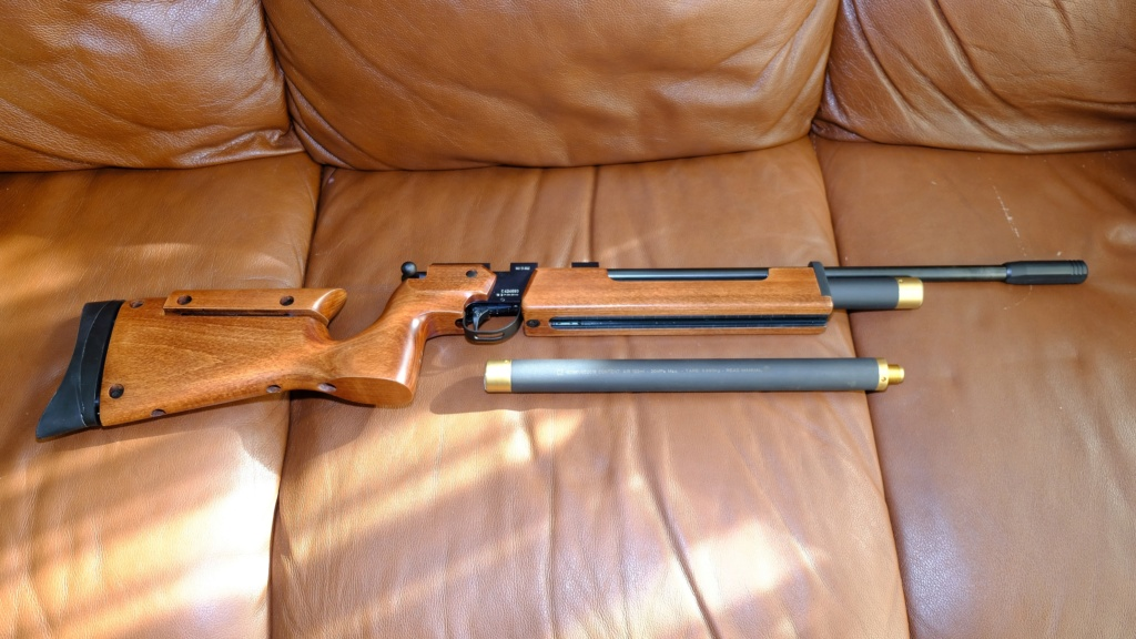 WTS Brand New Air Arms T 200 Sporter Air Rifle With Target Sights Dscf5912