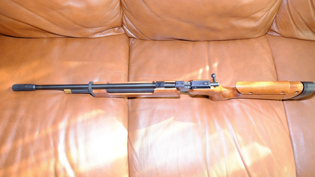 WTS Brand New Air Arms T 200 Sporter Air Rifle With Target Sights Dscf5915