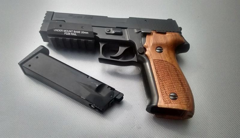 le P226 de la mort qui tue ^^ - A new custom ! Img_2032