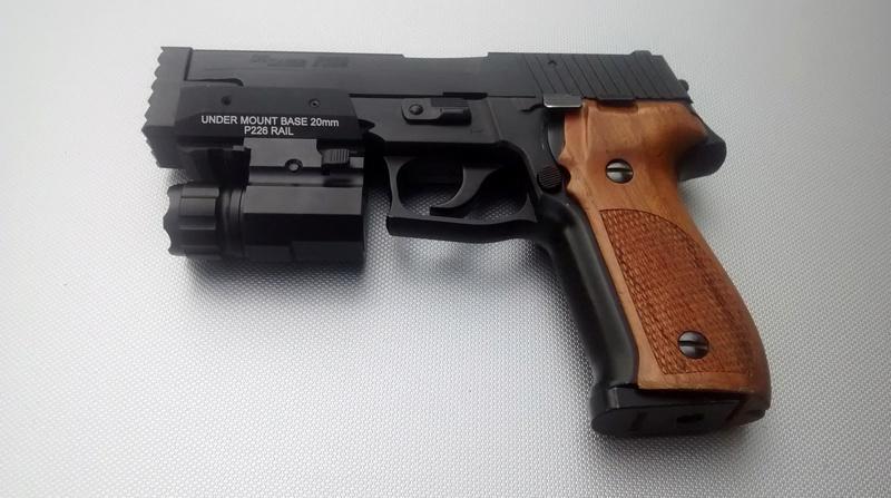 le P226 de la mort qui tue ^^ - A new custom ! Img_2033