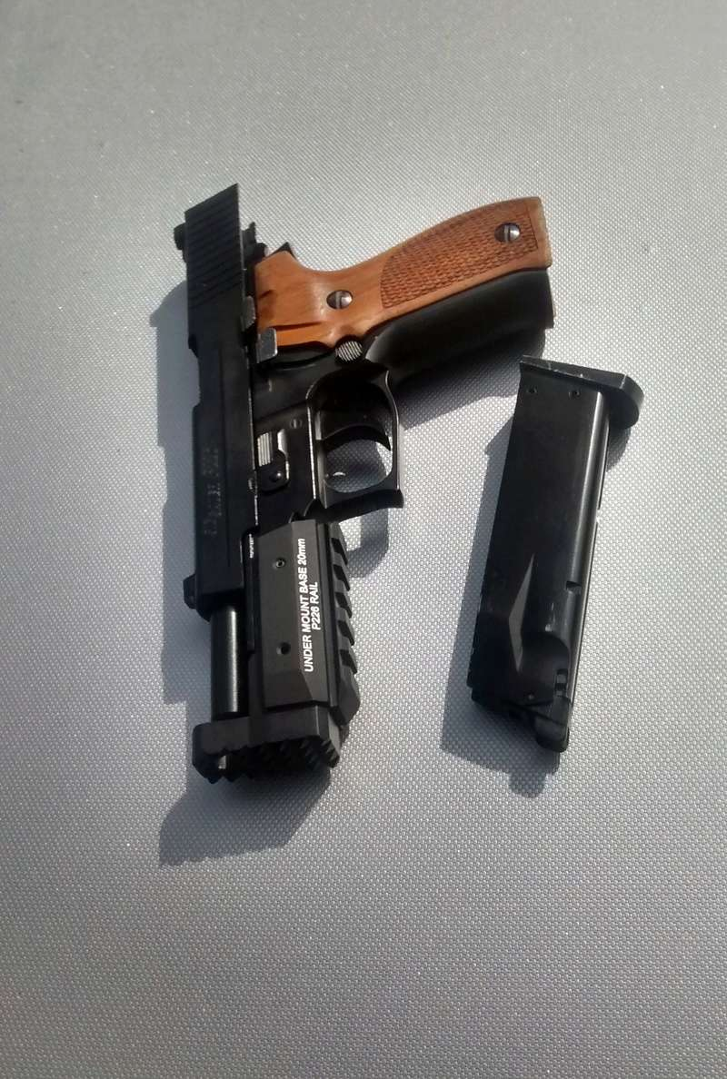le P226 de la mort qui tue ^^ - A new custom ! Img_2034
