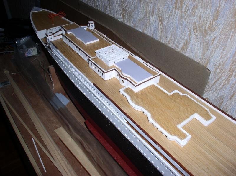 Le Titanic d'après les plan de JC ROSSO  au 1/200ème  - Page 5 P1010011