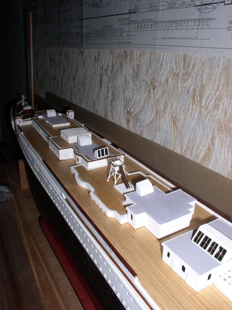 Le Titanic d'après les plan de JC ROSSO  au 1/200ème  - Page 5 P1010017