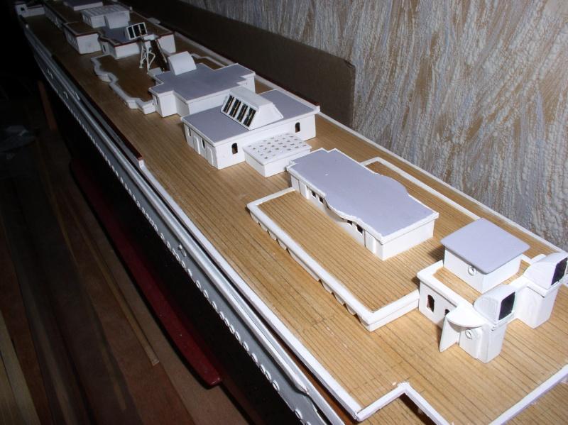 Le Titanic d'après les plan de JC ROSSO  au 1/200ème  - Page 5 P1010018