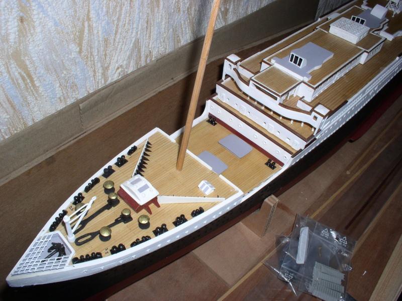 Le Titanic d'après les plan de JC ROSSO  au 1/200ème  - Page 5 P1010020