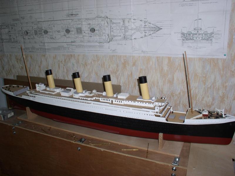 Le Titanic d'après les plan de JC ROSSO  au 1/200ème  - Page 6 P1010023