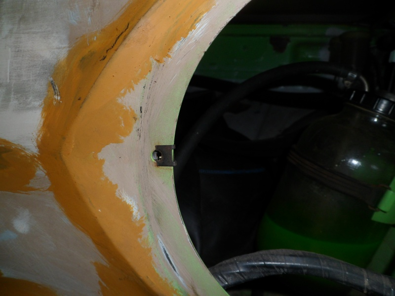 fixation cuvelage de phare avant sur nos 1000 Sam_9124