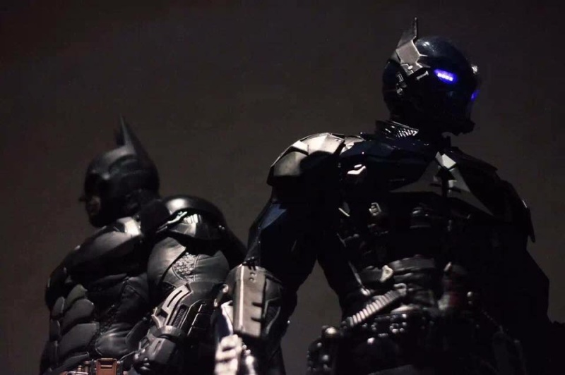 Batman Arkham Knight - Arkham Knight 1/3 Statue - Page 2 13466410