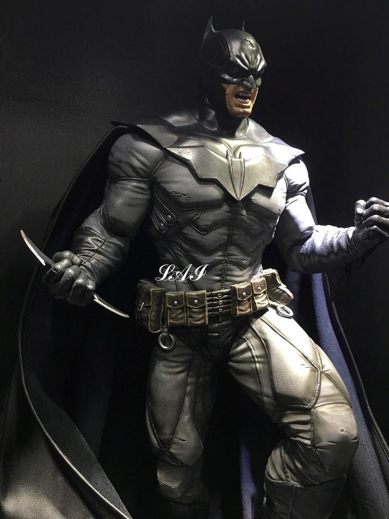 Batman Arkham Origins - Batman Noel Costume 1/3 Statue - Page 2 14188310