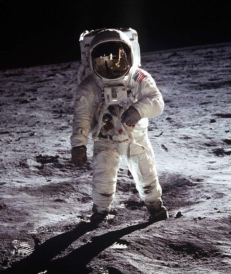 Ces incroyables photos de la NASA prises sur la Lune Apollo10