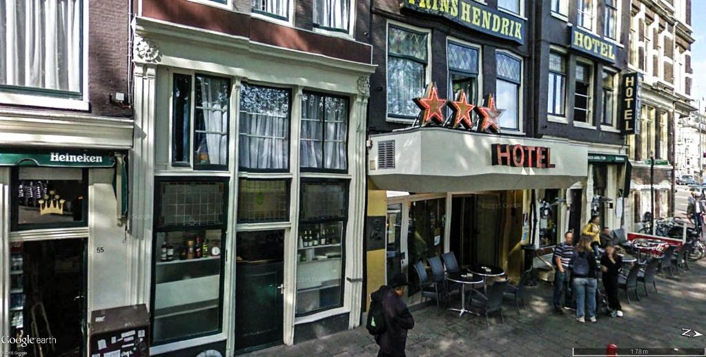 Plaque commémorative de Chet Baker à l'hôtel Prinz Handrik, Amsterdam - Pays-Bas Chief_10