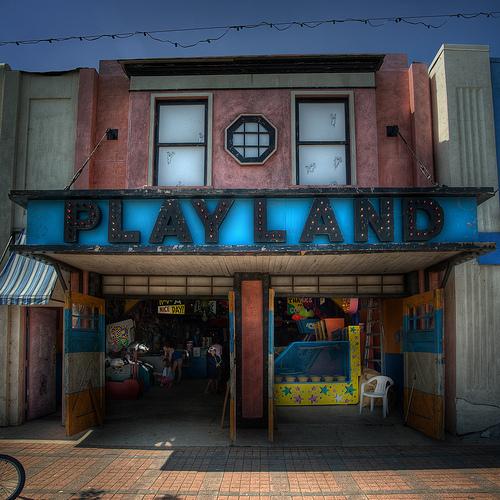 Pics of old Winnipeg arcades Plw10