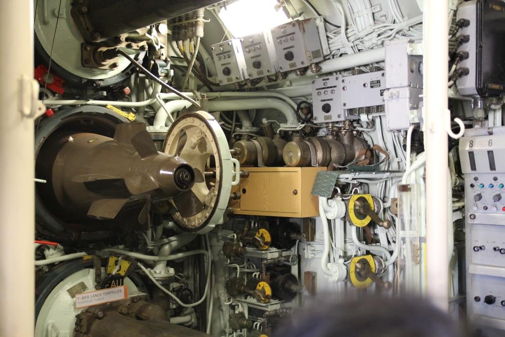 [Les Musées en rapport avec la Marine] Sous-Marin  Flore - Page 11 La_flo20