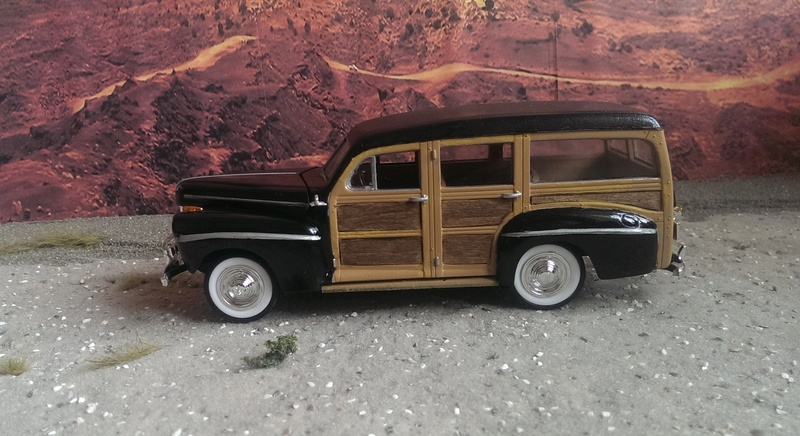 '41 Ford Woody Stock von amt/ERTL in 1:25 Imag2232
