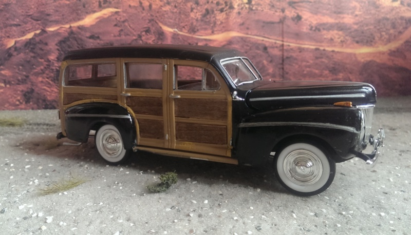 '41 Ford Woody Stock von amt/ERTL in 1:25 Imag2235