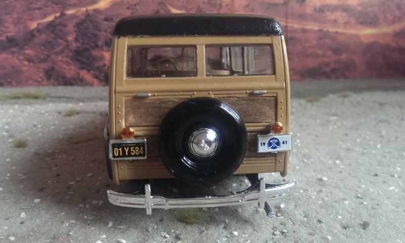 '41 Ford Woody Stock von amt/ERTL in 1:25 Imag2236