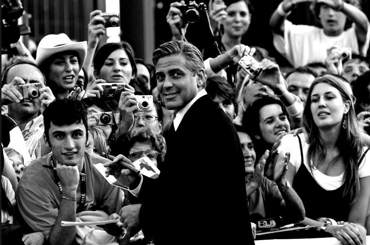 George Clooney George Clooney George Clooney! - Page 11 Cloone11
