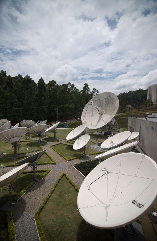 [SKYTEC]  Conheça o Centro de Transmissão da SKY  Sky310