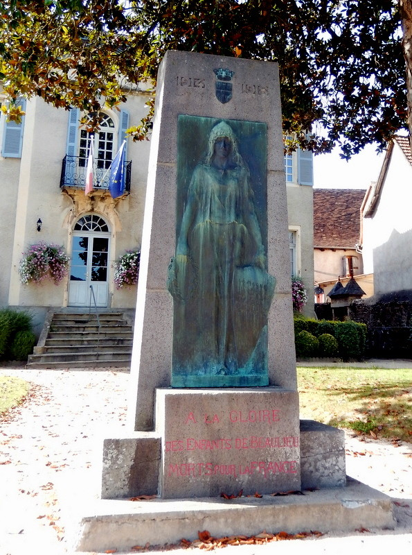 [Histoires et Histoire] Monuments aux morts originaux Français Tome 1 - Page 30 Nuages14