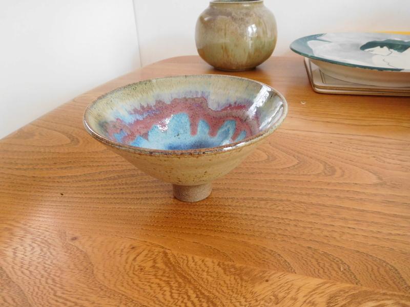 Colourful glazed raised bowl - marked Dscn0412