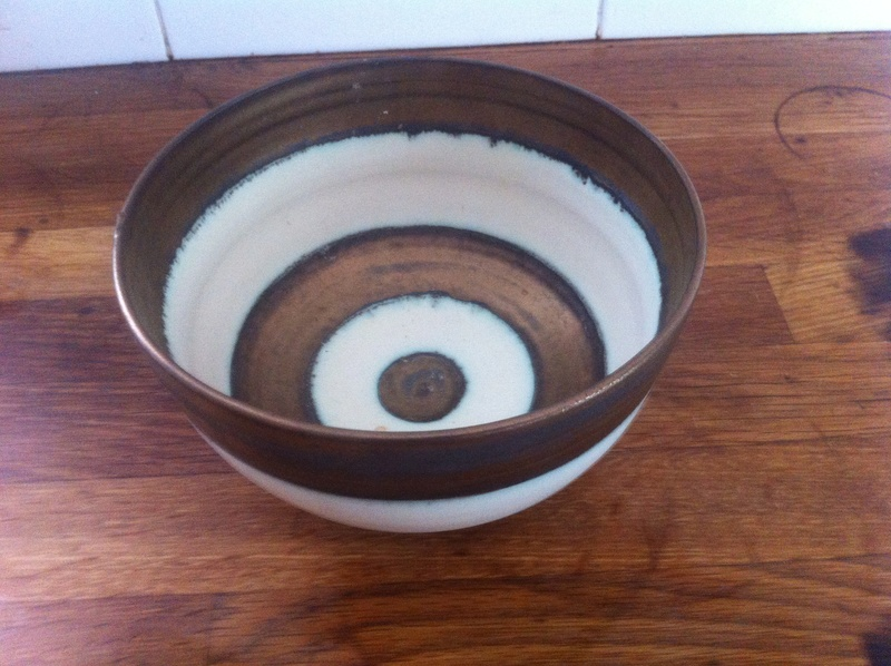 Marked studio bowl ID required Img_2721