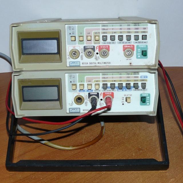 """Multimètres de table """"Fluke"""" (Modèles 8010A et 8050A) Multi_10"""