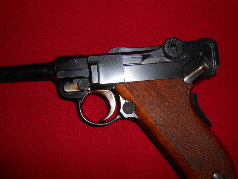 Les Luger suisses, modèles 1906 produits par la Waffen Fabrick à Berne. - Page 2 005_0110