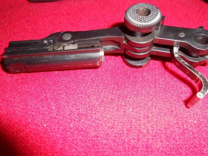 Les Luger suisses, modèles 1906 produits par la Waffen Fabrick à Berne. - Page 2 015_0110