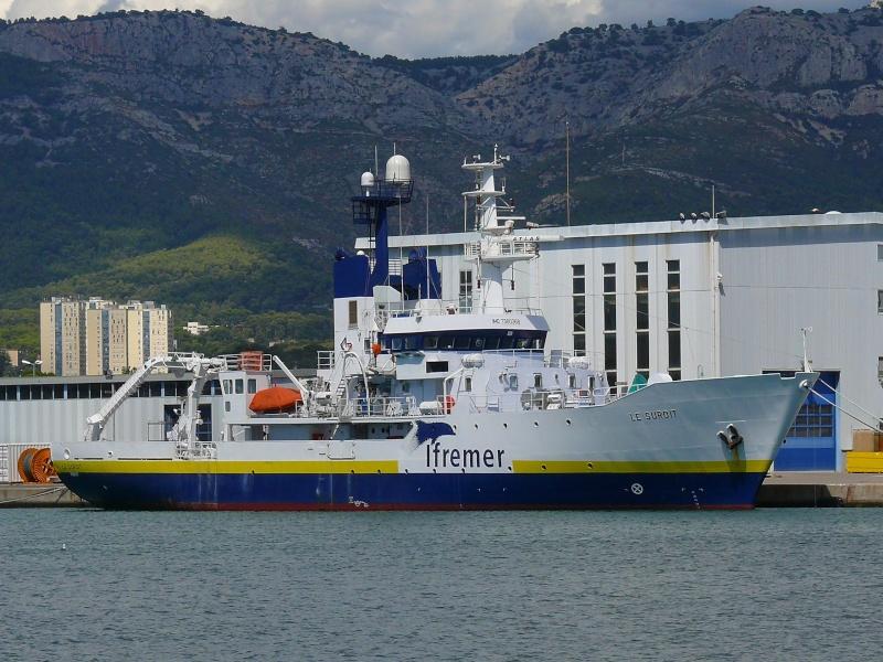 Bateaux de travail dans le sud de la France (à La Seyne sur mer) 83 Batea313
