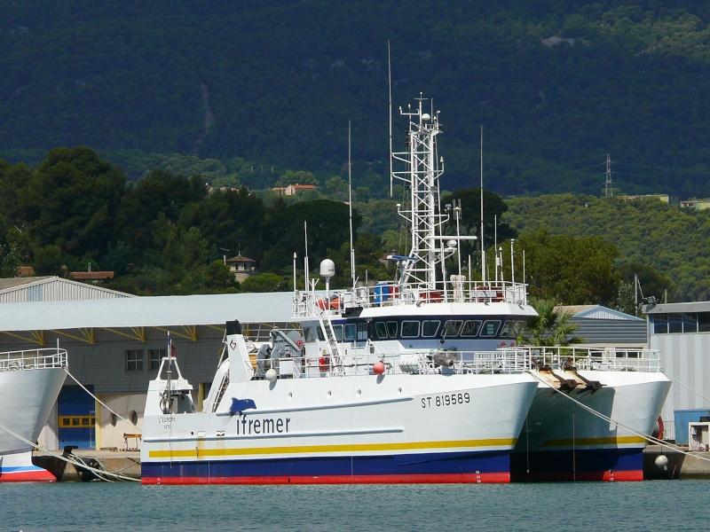 Bateaux de travail dans le sud de la France (à La Seyne sur mer) 83 Batea315