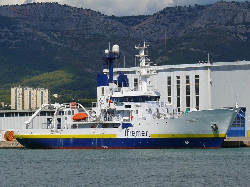 Bateaux de travail dans le sud de la France (à La Seyne sur mer) 83 Batea316
