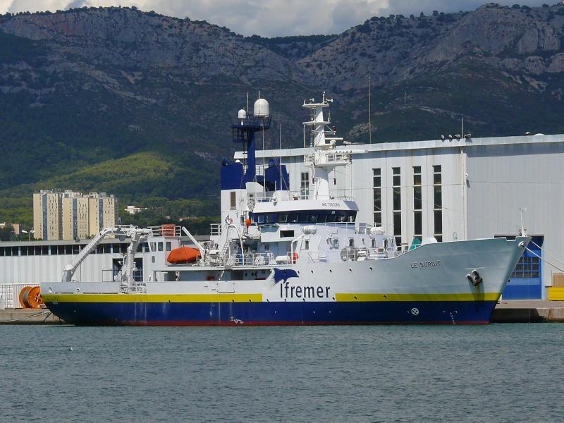 Bateaux de travail dans le sud de la France (à La Seyne sur mer) 83 Batea317