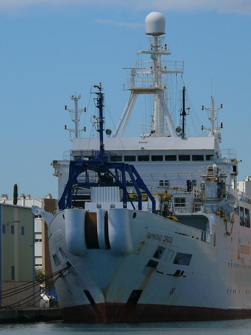 Bateaux de travail dans le sud de la France (à La Seyne sur mer) 83 Batea318