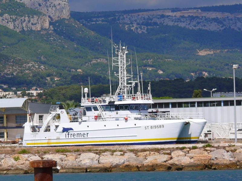 Bateaux de travail dans le sud de la France (à La Seyne sur mer) 83 Batea320