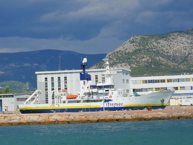 Bateaux de travail dans le sud de la France (à La Seyne sur mer) 83 Batea321