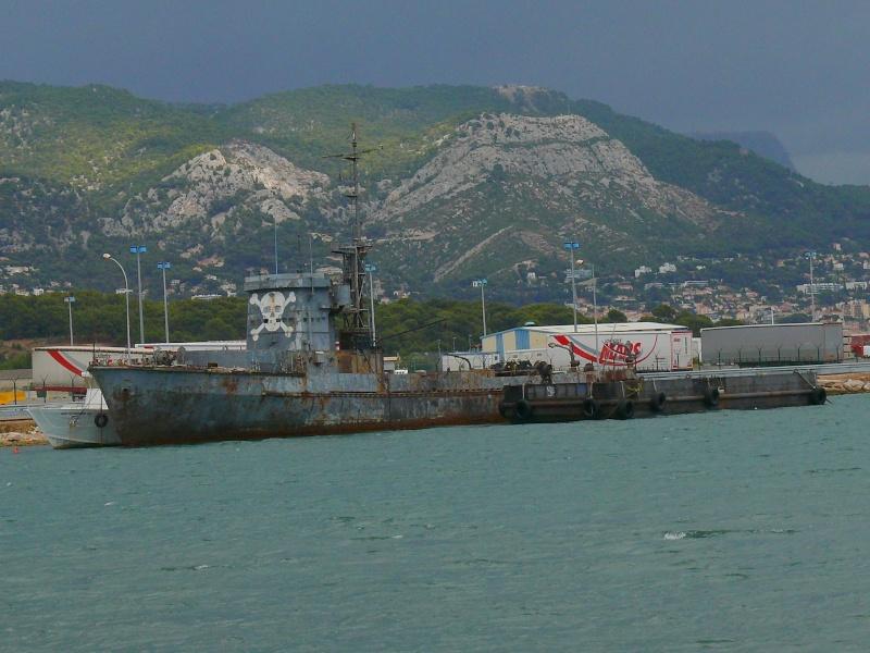 Bateaux de travail dans le sud de la France (à La Seyne sur mer) 83 Batea325