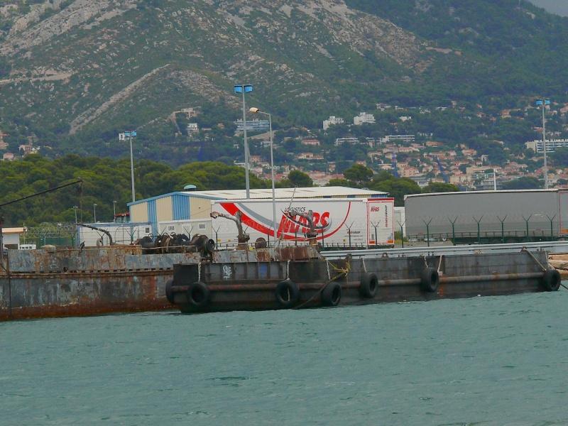 Bateaux de travail dans le sud de la France (à La Seyne sur mer) 83 Batea326