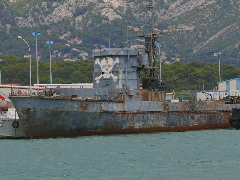 Bateaux de travail dans le sud de la France (à La Seyne sur mer) 83 Batea327