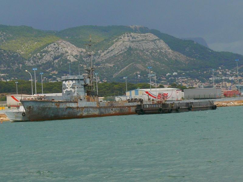 Bateaux de travail dans le sud de la France (à La Seyne sur mer) 83 Batea328