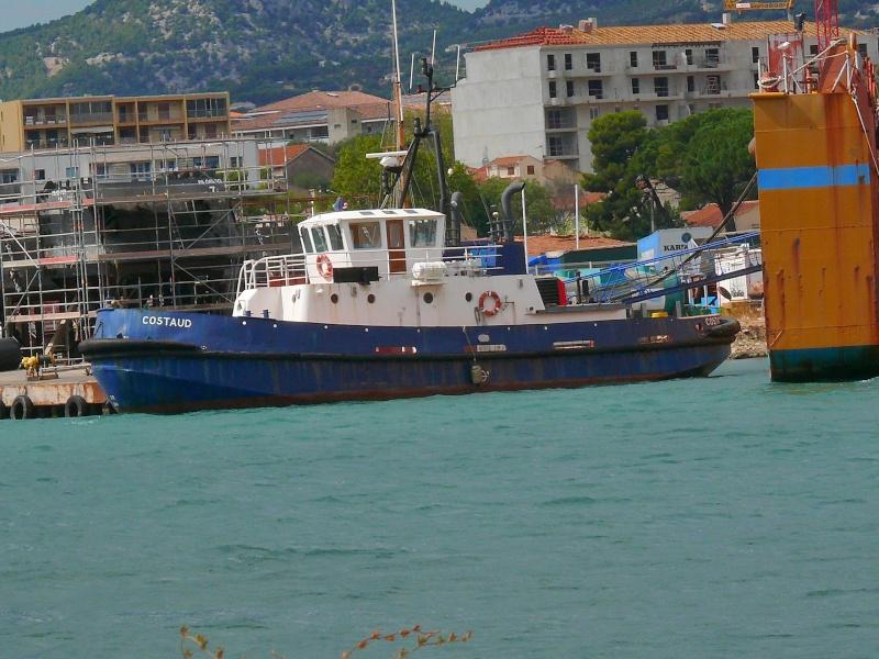 Bateaux de travail dans le sud de la France (à La Seyne sur mer) 83 Batea331