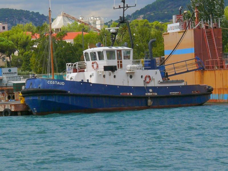 Bateaux de travail dans le sud de la France (à La Seyne sur mer) 83 Batea333