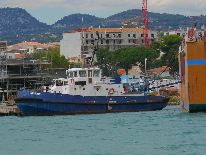 Bateaux de travail dans le sud de la France (à La Seyne sur mer) 83 Batea335