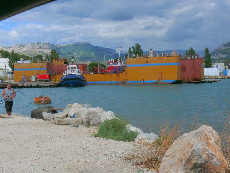 Bateaux de travail dans le sud de la France (à La Seyne sur mer) 83 Batea338