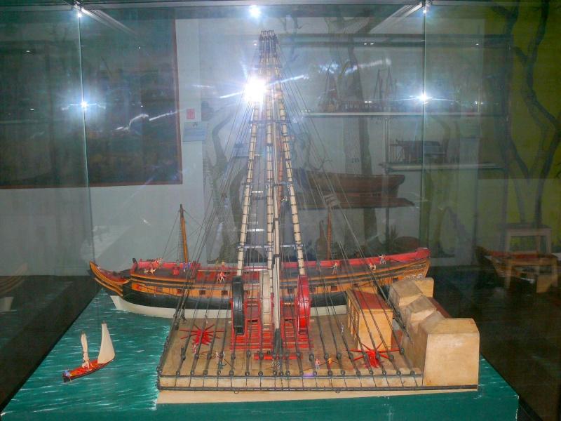 Musée de la Marine de Toulon Maquettes Grue_a15