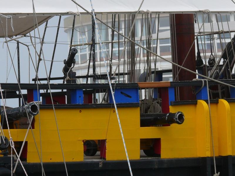 L'ETOILE DU ROY ex GRAND TURK à quai à SAINT MALO L_eto112