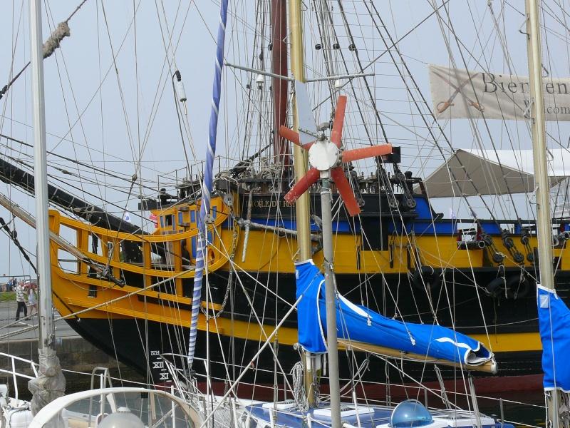 L'ETOILE DU ROY ex GRAND TURK à quai à SAINT MALO L_etoi92