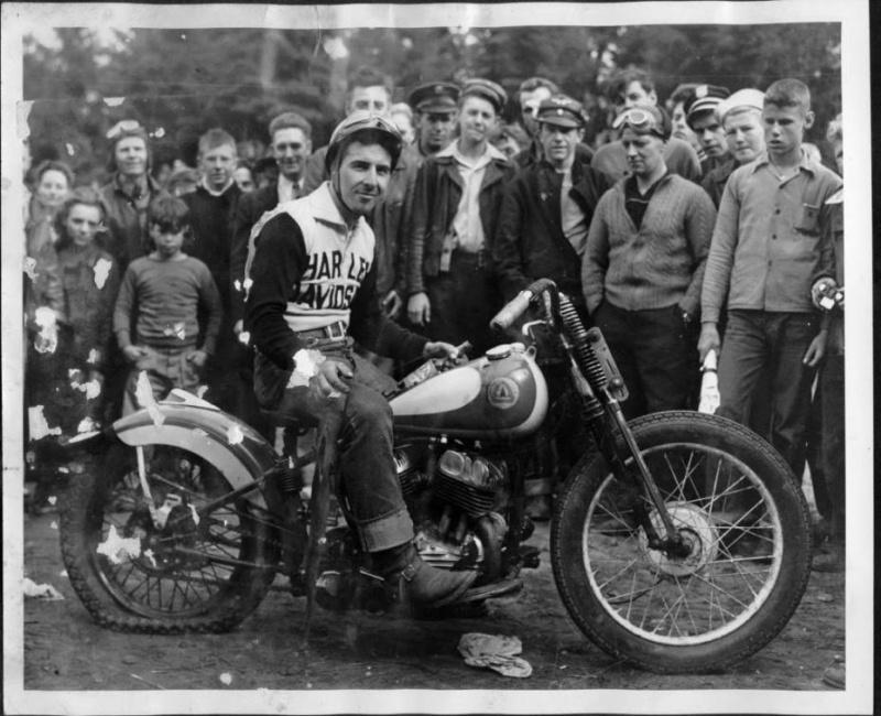 Harley de course - Page 2 Vintag13