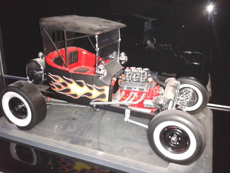 Vends Ford Model T Big Red Rod 1/8 VENDU 2016-136