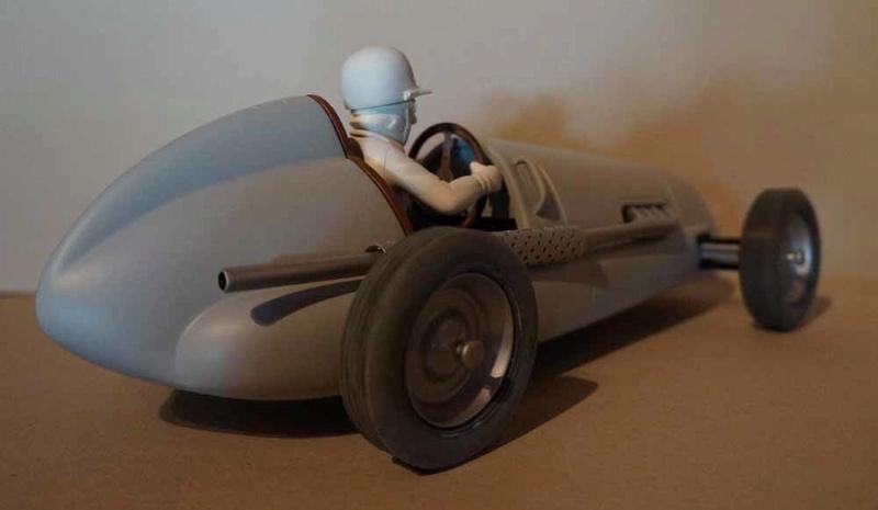 """la Maserati de """"Spirou et les héritiers"""" - Page 8 Dsc00327"""